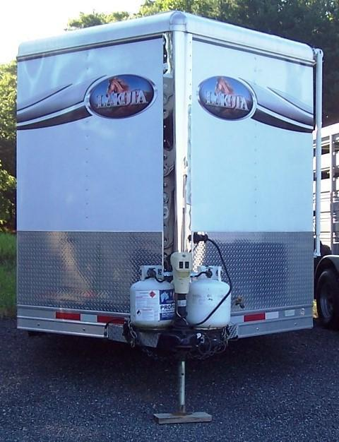 2013 Lakota Trailers 8213 Hut Horse Trailer