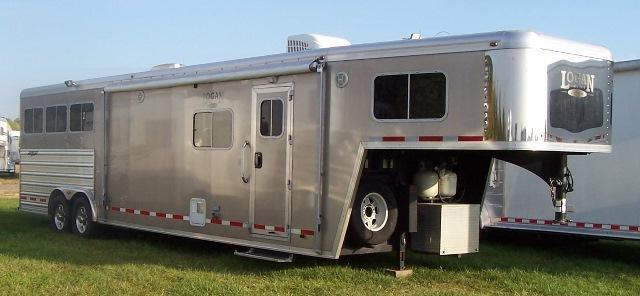2013 Logan Coach 813 Razor w/Platinum Package Horse Trailer