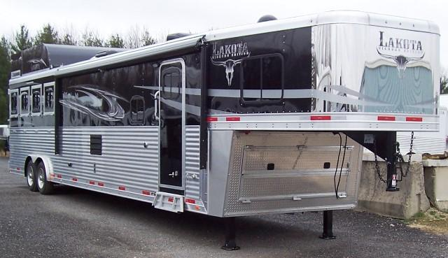 2018 Lakota Trailers Big Horn 8417 Horse Trailer