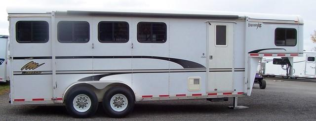 2000 Merhow Trailers Equistar with Factory Weekend Pkg Horse Trailer