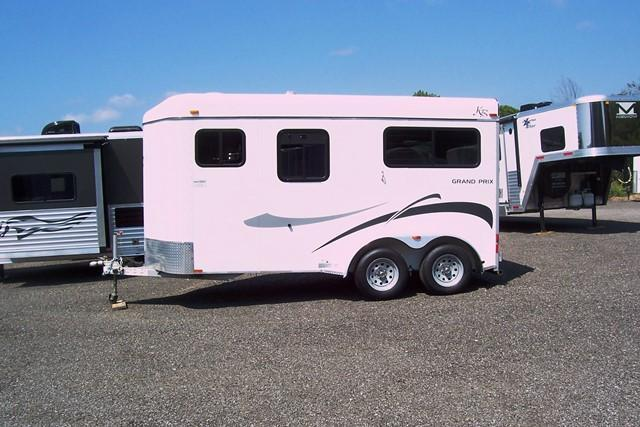 2006 Kiefer Built Grand Prix Horse Trailer