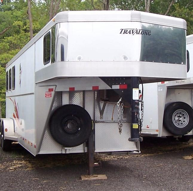 2004 Travalong Travalong Outlaw w/ 6 DR Horse Trailer