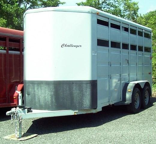 2010 Titan Trailers Classic Stock Horse Trailer