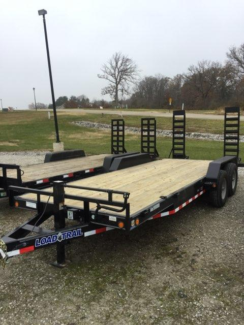 2018 Load Trail CH8320072 Equipment Trailer