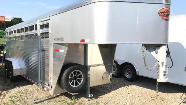 Sundowner Trailers 16 Rancher Express gooseneck Stock / Stock Combo Trailer
