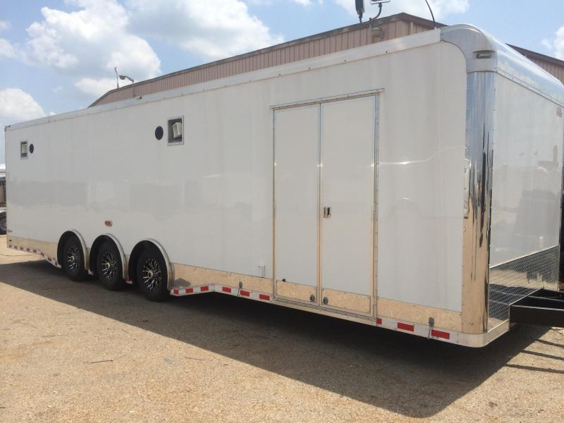 2014 32' triple 6 k Cargo Mate Eliminator Car / Racing Trailer