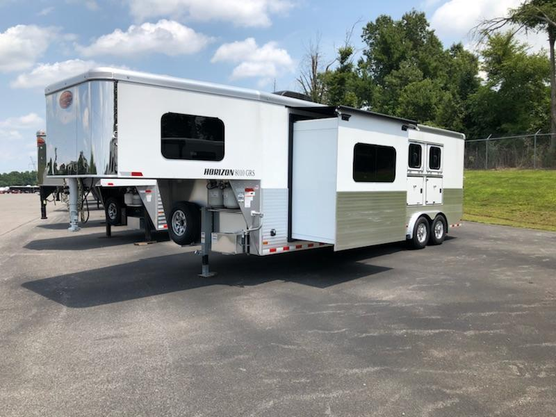 2019 Sundowner Trailers 3H Horizon 8010 Horse Trailer