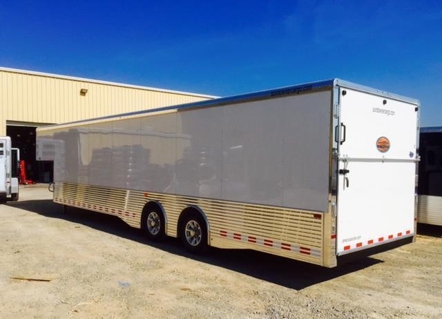 2018 38 gooseneck Sundowner Trailers Xtra Transporter Car / Racing Trailer