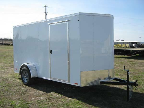 2015 Continental Trailers 6x12 v nose ramp Cargo / Enclosed Trailer