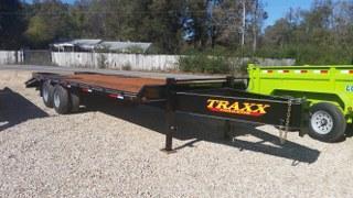 """2017 Traxx 102"""" x 25"""