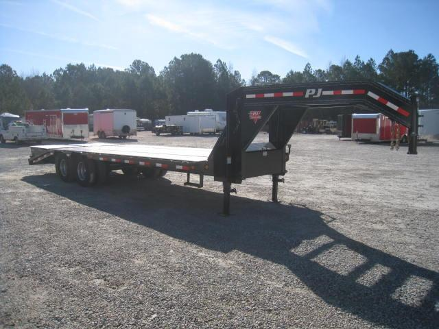 2018 PJ Trailers 25' LD Gooseneck Deckover  Equipment Trailer with Monster Ramps