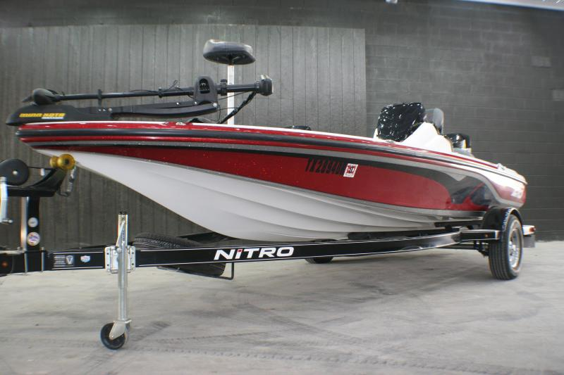2016 Nitro Tracker V-18 Bass Boat