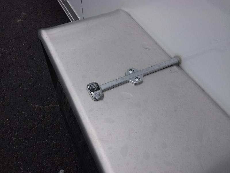 Wauv wells cargo silver sport aluminum enclosed
