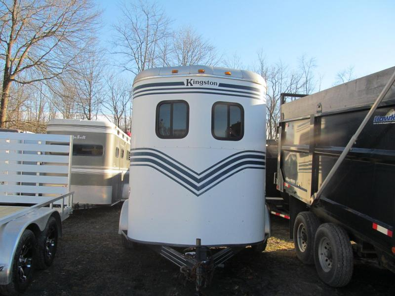 2001 Kingston Windsor Horse Trailer