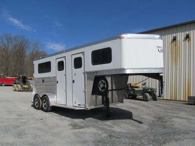 2016 Trailers USA Patriot 2H GN w/ Dressing Room