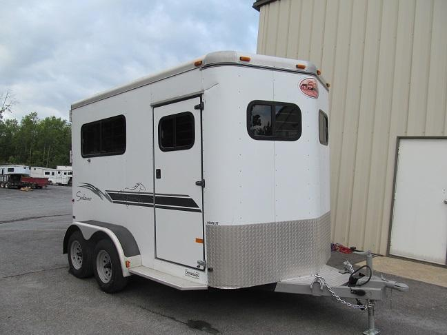 2000 Sundowner 2H BP Horse Trailer