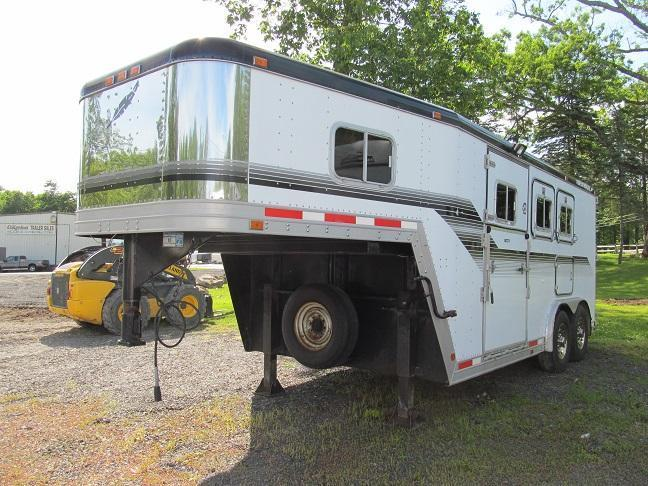 1994 Featherlite 3H GN w/ Side and Rear Ramp