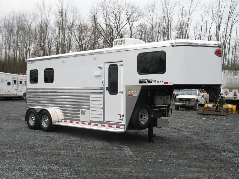 living quarters gooseneck horse trailer horse stock utility car