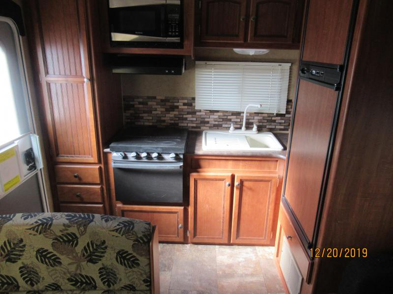 2013 Jayco Jay Feather 242 Travel Trailer RV