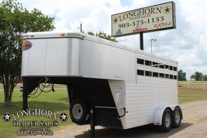 2013 Sundowner 2 Horse with Front Tack Room