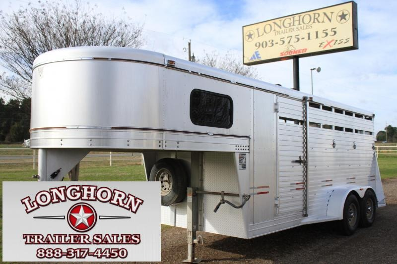 2004 W-W Trailer 3 Horse Stock Combo Horse Trailer