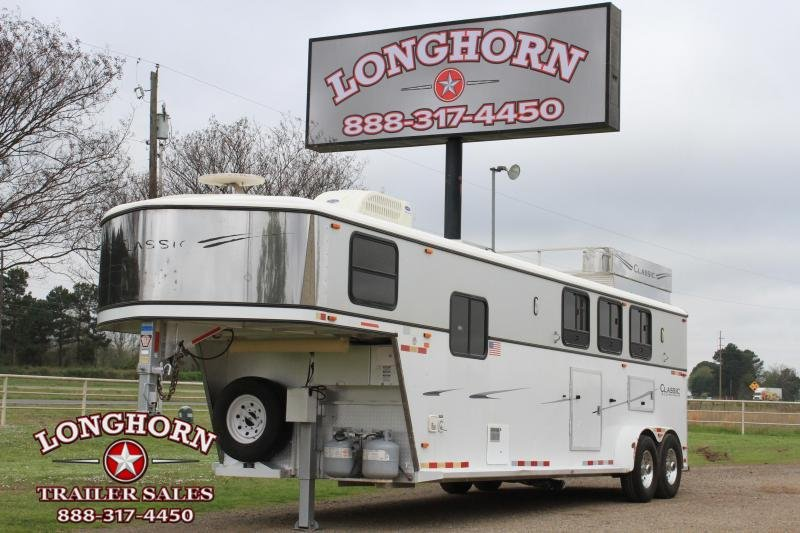 2004 Classic Manufacturing 3 Horse 10ft Living Quarter with Mangers Horse Trailer