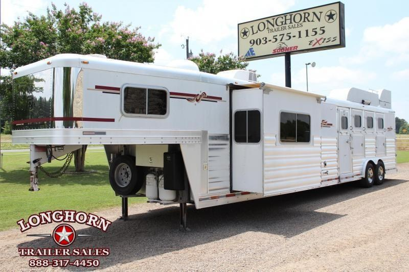 2007 Platinum Coach 4 Horse 17ft Living Quarter by Outlaw With Slide Horse Trailer