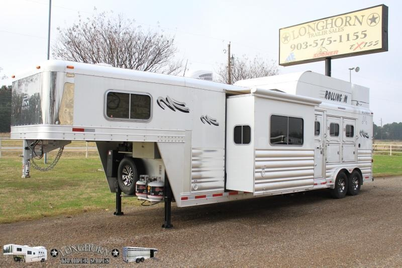 2019 Platinum 3 Horse 13Ft Lq w/ Slide Out