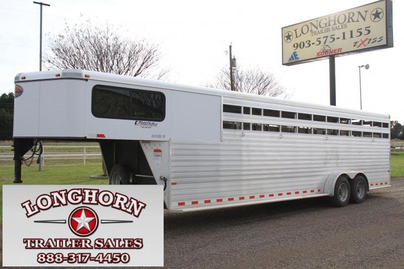 2012 Sundowner  28 Ft Stock Combo / 2 Float Gates Livestock Trailer