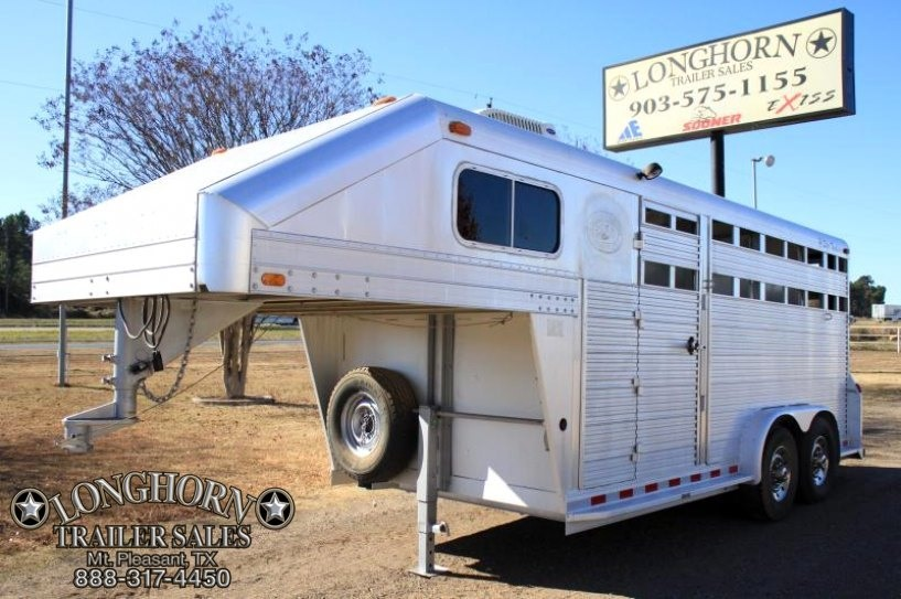 1994 4-Star Trailers 3 Horse Stock combo w/ dividers Horse Trailer