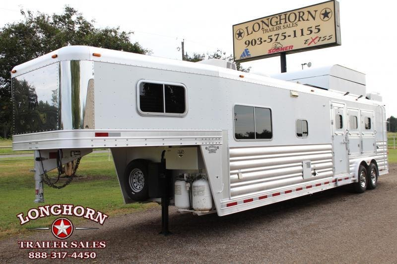 2009 Platinum Coach 3 Horse 14ft LQ by Outlaw Horse Trailer