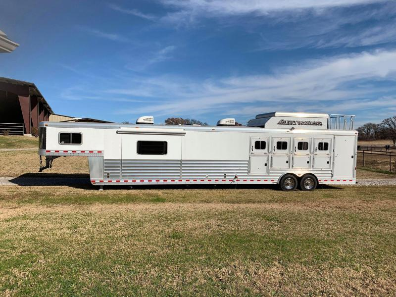 2016 Elite Horse Trailer 2/Bedroom 4/H Living quarters