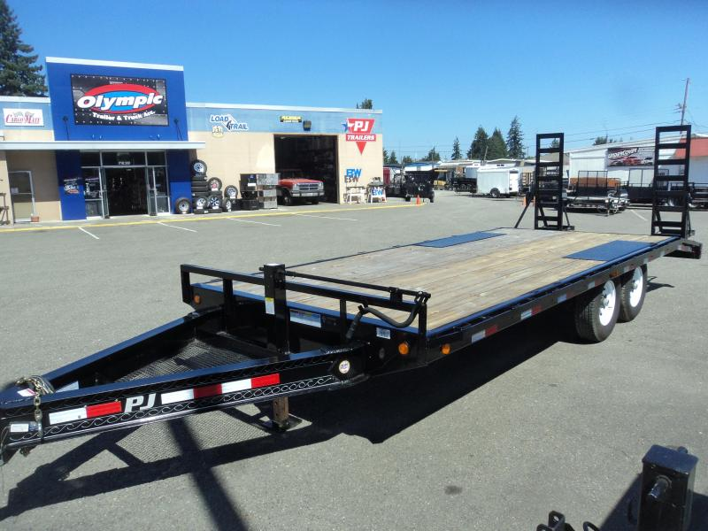 2016 PJ Trailers F820 Equipment Trailer