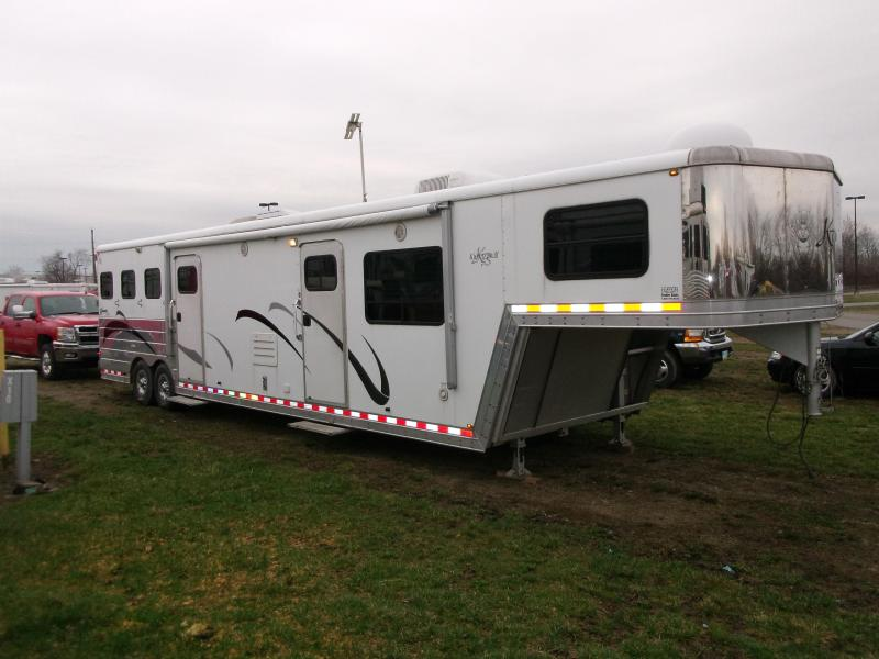 2005 Kiefer Built 3 Horse LQ w/ Midtack Trailer