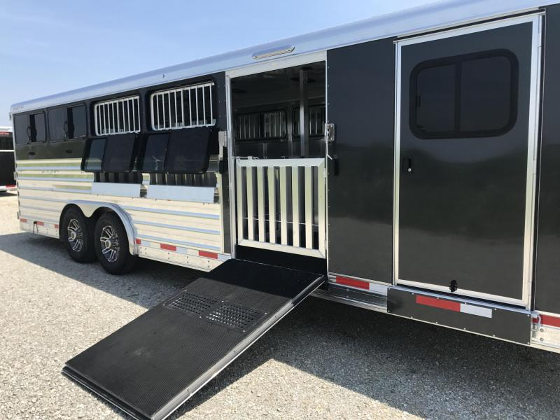 2018 Exiss Exhibitor 8026 10 PEN Trailer