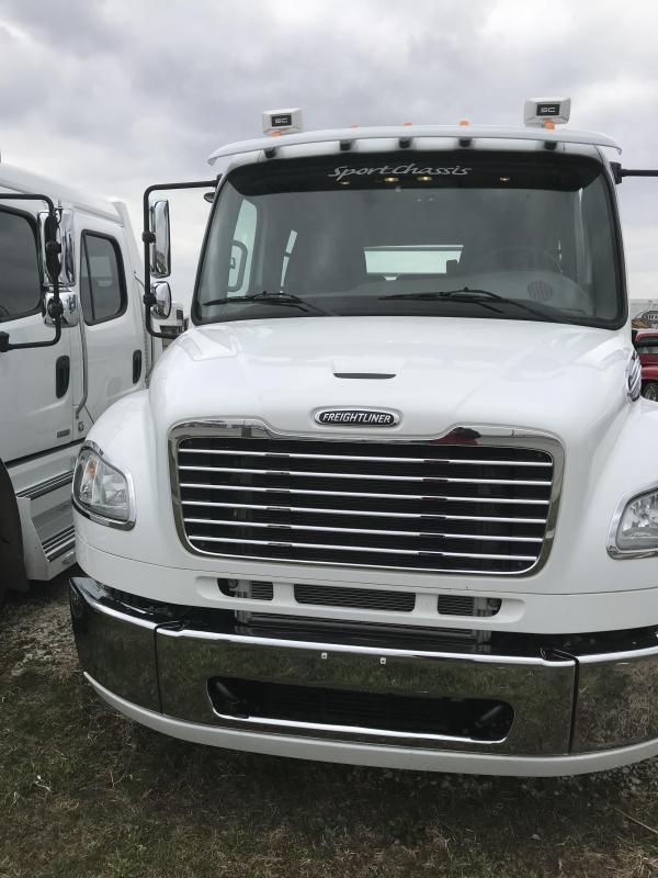 2014 Freightliner SportsChassis Truck