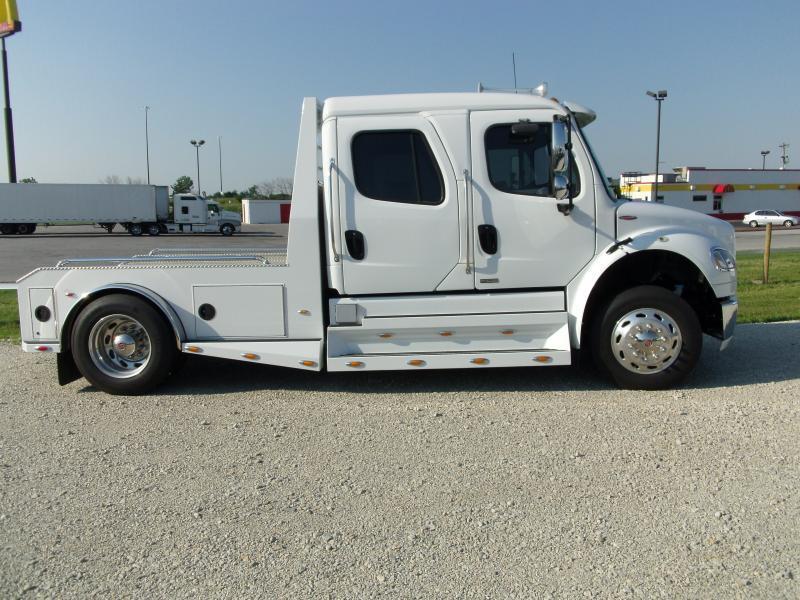 2012 Freightliner Sportchasis RHA 114 350