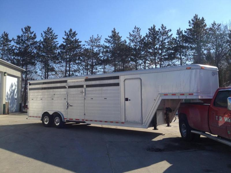 1999 Barrett 4 Horse Head to Head Trailer