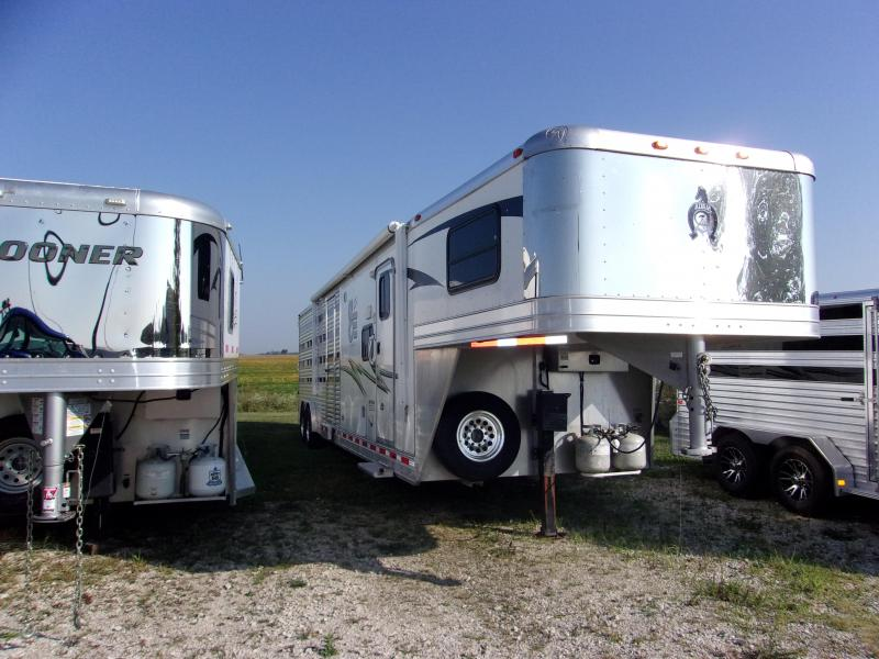 2012 Adam 8 Pen W/living quarters Livestock Trailer