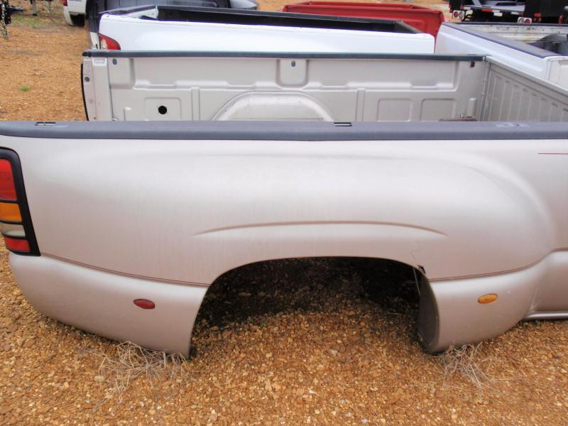 2007 CHEVROLET DUALLY TRUCK BED