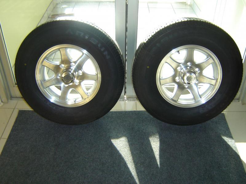 Aluminum 7 Spoke 6 Hole Wheel Set of 2