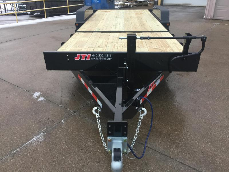 2019 Behnke TBCT216ET Equipment Trailer