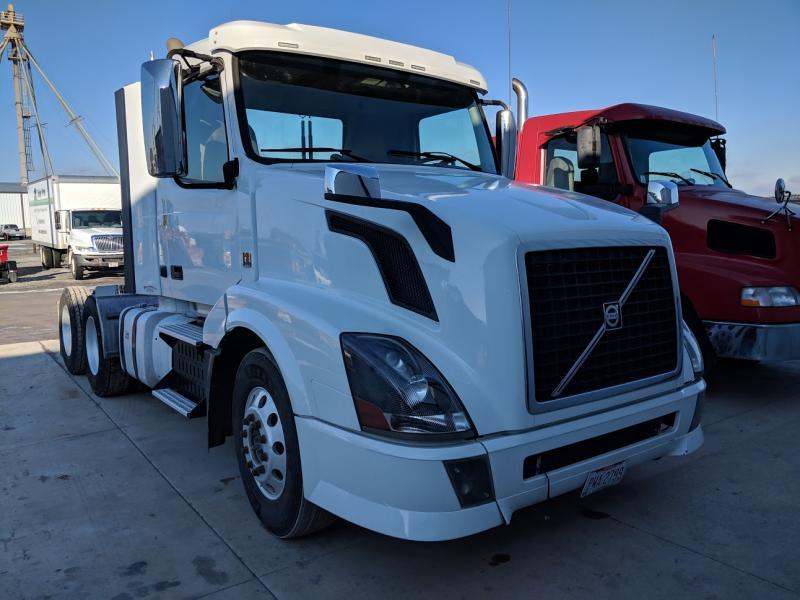 2013 Volvo Vnl64t Truck #3988