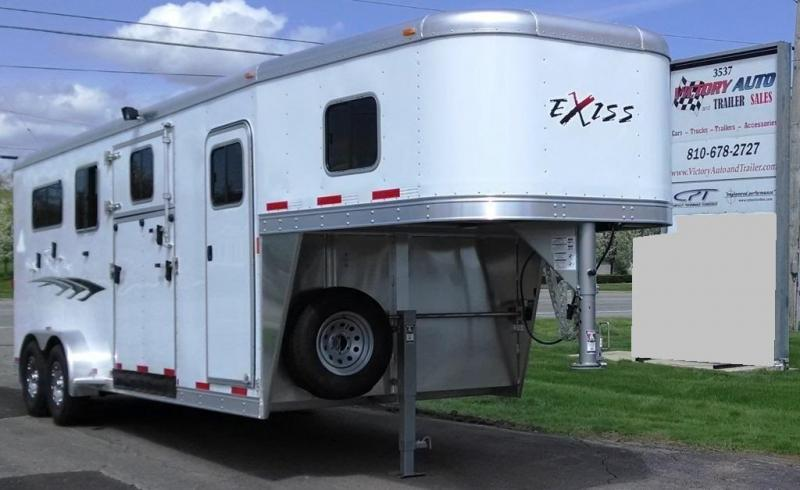 2016 Exiss 7200 SR Horse Trailer