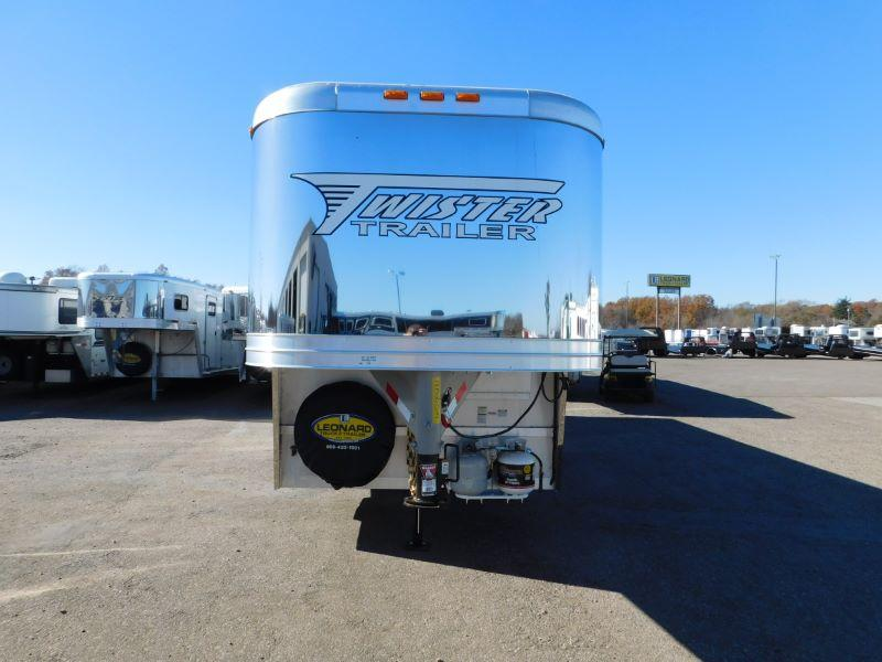 2016 Twister TW8310 Horse Trailer