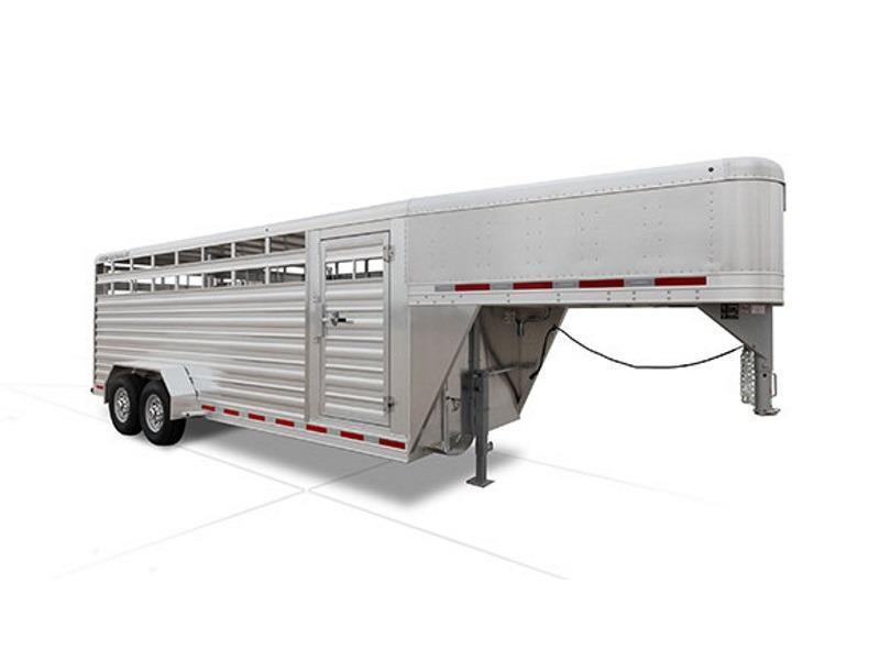 2019 Featherlite Trailers 8117 - 16ft - 1 gates