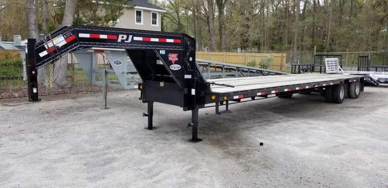 2015 Pre Owned PJ 38ft Low Pro 25K GN w/ Flip Over Ramps