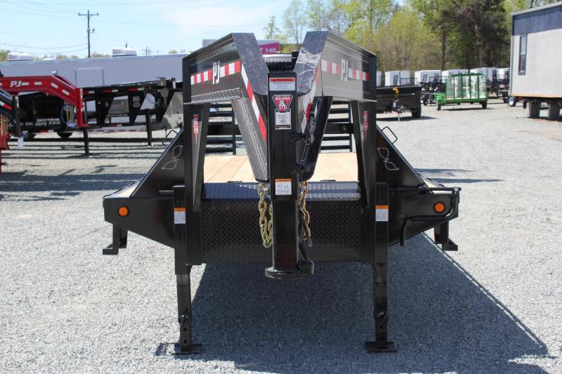 2018 PJ Trailers 26 FD Gooseneck  w/ Flip Over Ramps