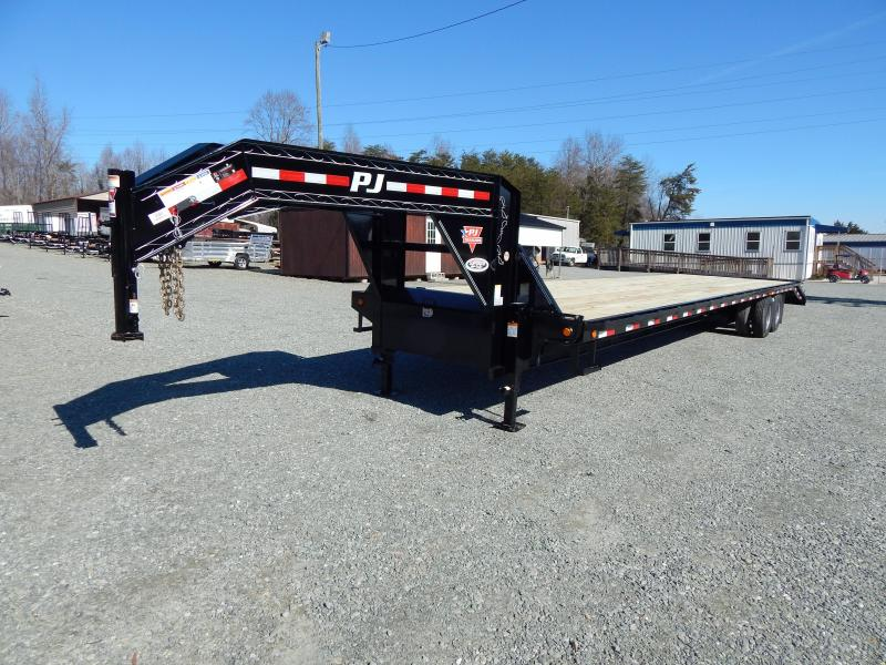 2019 PJ Trailers 40 FD Gooseneck w/ Monster Ramps