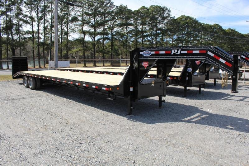 2020 PJ 40ft FD Gooseneck w/2 Flip Over Monster Ramps